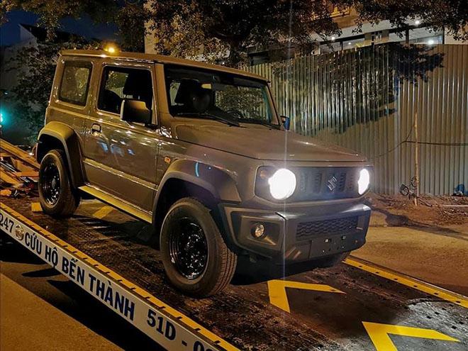 Cận cảnh Suzuki Jimny vừa cập bến Việt Nam, giá từ 1,2 tỷ đồng